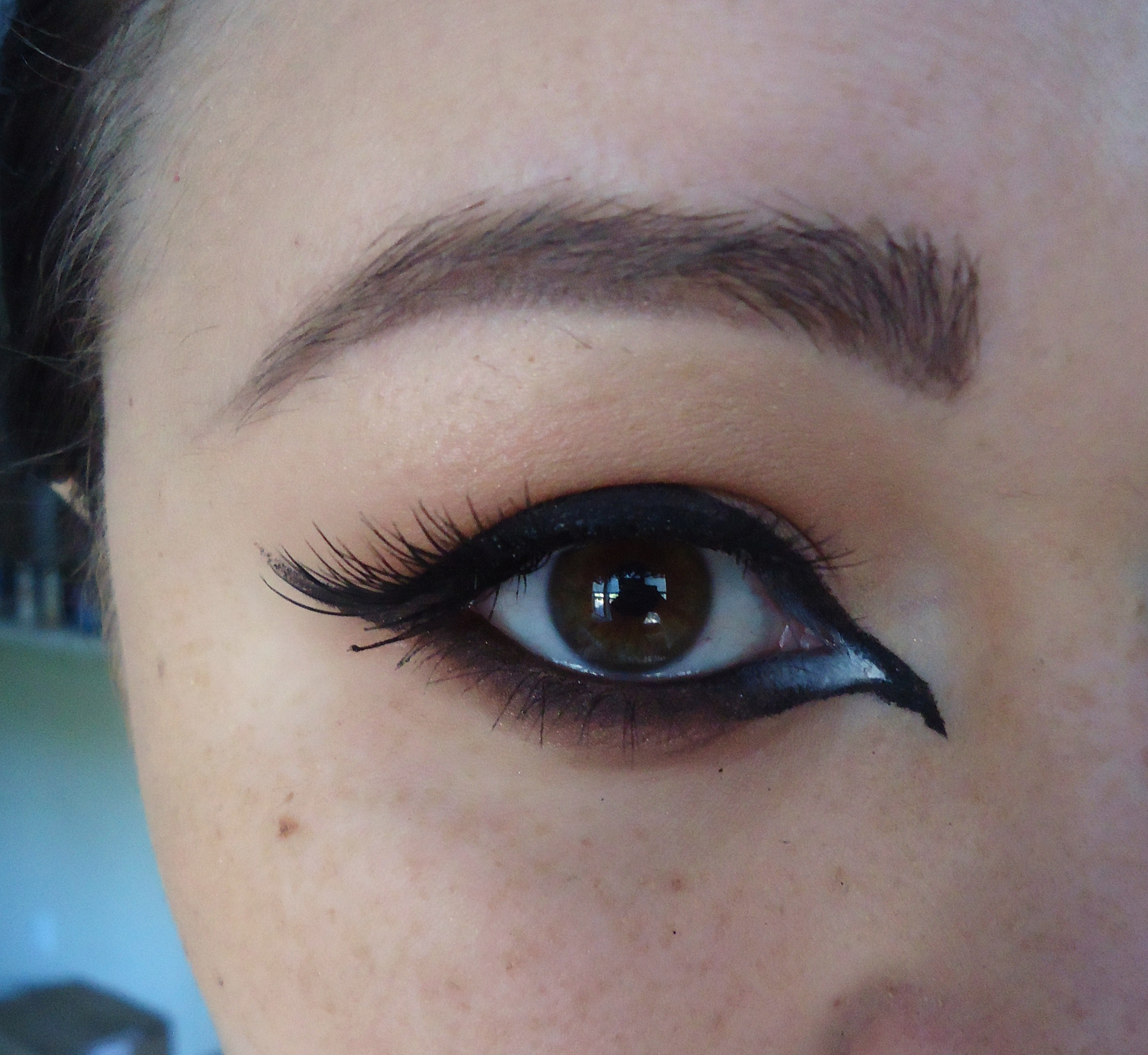 halloween: achieving the perfect cat-eye – thechristyleigh